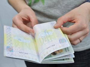 Могут ли отказать в оформлении шенгенской визы из за долгов?