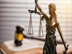 Коллекторы стали подавать в суд на должников