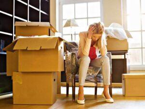 Купили квартиру, а бывший собственник не выселяется. Что делать?