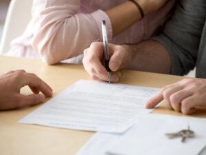 Как расторгнуть договор аренды и не остаться должником?