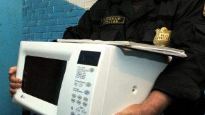 Как судебные приставы крадут арестованное имущество должника?